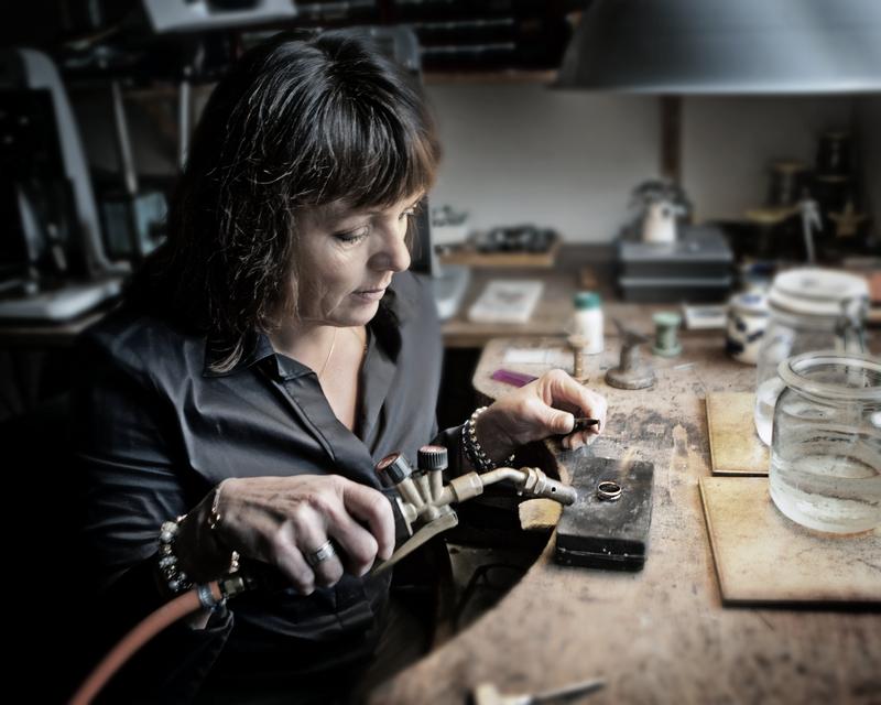 Atelier Wolters Juweliers Coevorden Emmen Hardenberg goud zilver reparatie klok klokken goudsmid